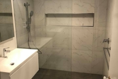 Walk in frameless Showerscreen3