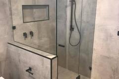 showerscreenblack